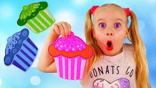 Download Learn colors with Magic Transformation of Colored Cupcakes and Younger Sister Fun learning Colors To Video
