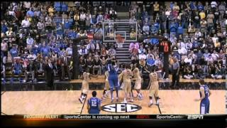 Download Bobby Knight has no idea how shot clock works Video