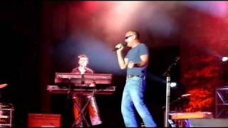 Download (Henry) Fan showing up Blake Shelton at the 2010 Colorado State Fair Video