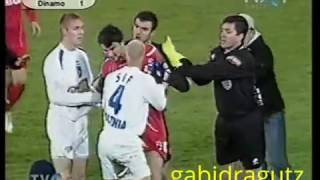 Download U Craiova - Dinamo, 21.11.2004, incident Cl. Niculescu - ″Postasu' ″ Video
