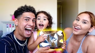 Download ELLE FOUND THE DIAMOND PLAY BUTTON!!! **OMG IT'S REAL** Video
