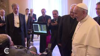 Download Pope Francis meets Stephen Hawking Video