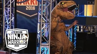 Download A T-Rex Dinosaur Crashes The American Ninja Warrior Course   American Ninja Warrior Video