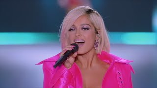 Download Bebe Rexha - I'm A Mess (Live From The Victoria's Secret 2018 Fashion Show) Video