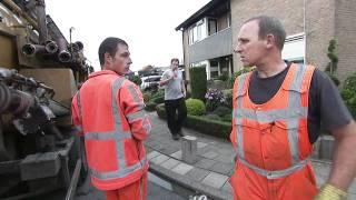 Download Helden van de weg - Kolkenzuiger met pech Video
