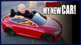 Download I got a Tesla for Christmas! (Unboxing) Video