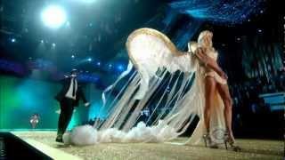 Download Akon-Angel Victoria Secret's Fashion Show 2010 Video