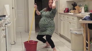 Download Pregnant Lady Twerks til her water breaks TOO FUNNY @redcowhills Video