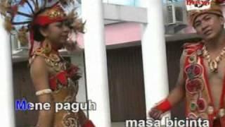 Download Kalimantan Pulau Borneo (M.Bujoi & Natalia) Video