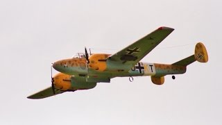 Download MULTIPLE WW2 RC BOMBERS - GIANT SCALE FLYING DISPLAY INC BOMB DROP - LMA EAST KIRKBY - 2017 Video