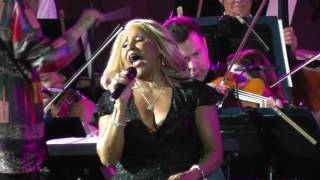 Download Darlene Love He's A Rebel 2017 Video