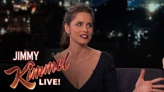 Download Amanda Peet Imitates Jon Snow Video