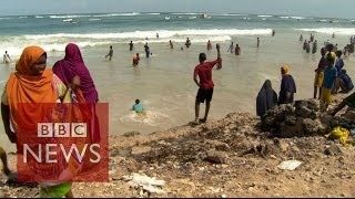 Download Somalia: Beach life returns to Mogadishu - BBC News Video