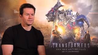 Download Mark Wahlberg speaks german - Interview Transformers 4 Video