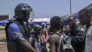 Download Les FSI à la rencontre des habitants de Bangui Video