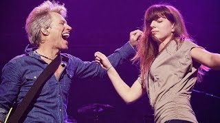 Download JON BON JOVI DANCING WITH HIS DAUGHTER ⭐️ Las Vegas 2017 Video