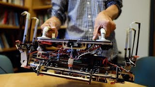Download Stanford engineers design a robotic gripper for cleaning up space debris Video
