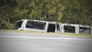 Download Governor: Limo failed inspection before deadly crash Video