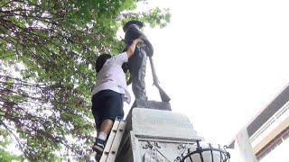 Download Protesters tear down Confederate statue in North Carolina Video