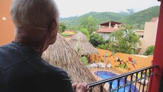 Download U.S. citizens relocating to Mexico form unique expat community Video