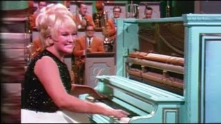 Download Jo-Ann Castle, the fastest hands on the Piano Video
