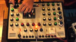 Download Improvising ″On The Run″ (Pink Floyd) - EMS Synthi AKS Video