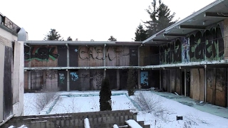 Download ABANDONED CREEPY MOTEL/LOUNGE in the Poconos Video
