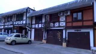 Download ″Жилые гаражи″ в Лазаревском, на улице Партизанской. Lazarevskoe SOCHI RUSSIA Video