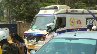 Download Bangalore (India) 108 Ambulance Responding, Stuck at Railroad Crossing Video