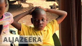 Download South African schools bar undocumented migrant children Video