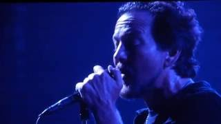 Download Pearl Jam - Comfortably Numb - Fenway Park (August 5, 2016) Video