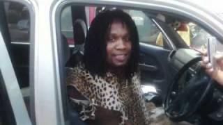 Download Umgqumeni feat. Amagcokama - SMS/Wathula Nje Video