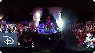 Download 360 Video: 'The Wonderful World of Disney: Magical Holiday Celebration' Video