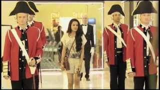 Download A Royal Shopping Experience Video