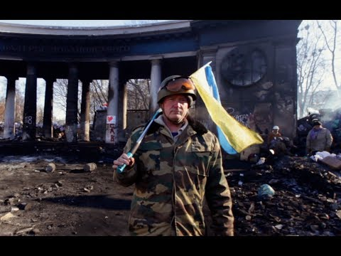 """Protestujący w Kijowie robią """"Happy"""" do piosenki Pharrella Williamsa"""