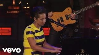 Download Alicia Keys - If I Ain't Got You (Live on Letterman) Video