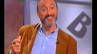 Download ARTURO PÉREZ-REVERTE. En El público lee (″Cabo Trafalgar″). Canal 2 Andalucía, 2005 Video