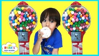 Download GIANT DUBBLE BUBBLE GUMBALL MACHINE Bubble Gum Challenge Giant JawBreaker Gross Sour Cry baby candy Video