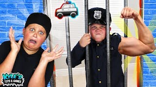 Download 🚓 KID COP VS ROBBERS SUPER STRENGTH! Pretend Play Cops and Robbers Game for Kids! Video