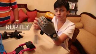 Download Bolivia: 14yo without hand 3D-prints his own prosthesis - for less than $100 Video