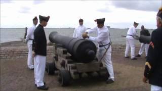 Download Kanon schieten Vesting Hellevoetsluis 2010 Video
