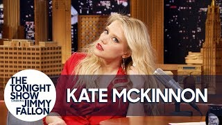 Download Kate McKinnon Shows Off Her Gal Gadot Impression Video