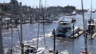 Download Santa Cruz Harbor Tsunami 3/11/11 Video