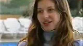 Download Gisele Bundchen - 18 years old Video