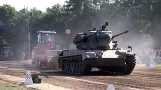 Download Gepard tank, Panzer @ Tractor Pulling Fursten Forest Fürstenau 2015 Video