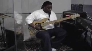 Download James ″Booyah″ Richard* Gospel Bass Technique*Shout music* GospelChops Video