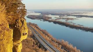 Download Great Spirit Bluff Falcons - Cliff View Cam 04-22-2018 04:30:19 - 05:30:19 Video