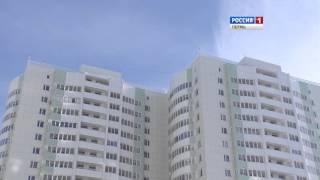 Download Версия: 14-летний подросток упал с балкона, делая «селфи» Video