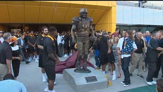 Download RAW VIDEO: ASU unveils Pat Tillman statue Video