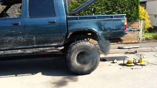 Download Toyota Hilux 2.8 Turbo 75mm straight through exhaust, Video
